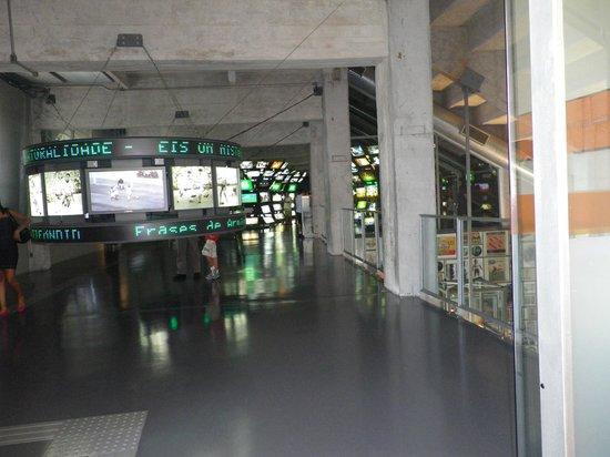 Museu do Futebol (Fußball-Museum): uma das salas que podemos rever os mais famosos jogos de futebol