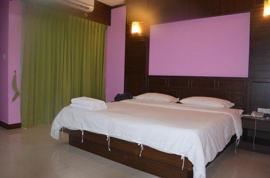 YK Patong Resort: Номер