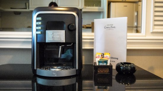 Grande Centre Point Hotel Ratchadamri: In-room coffee machine