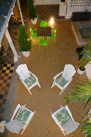 Hostel Green House Coffee Bar : PATIO COLONIAL