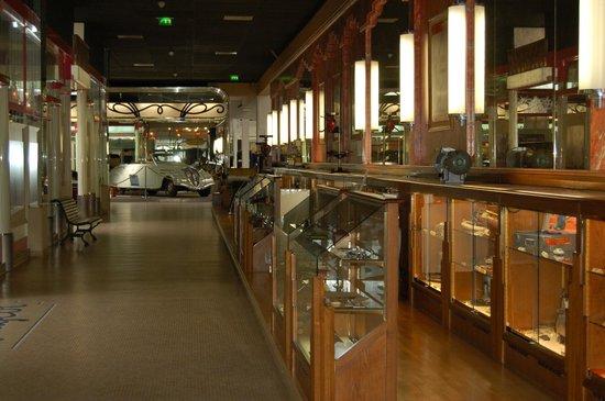 Musée de l'Aventure Peugeot: les outils
