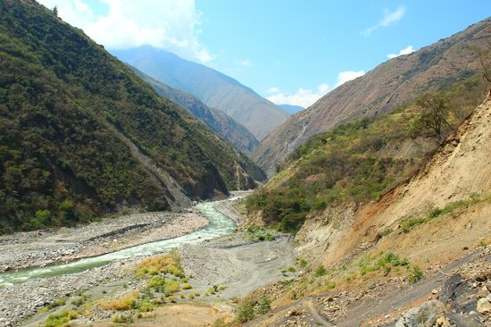 Yellow River: One the walk to Santa Teresa and the Hot Springs in Cocalmayo