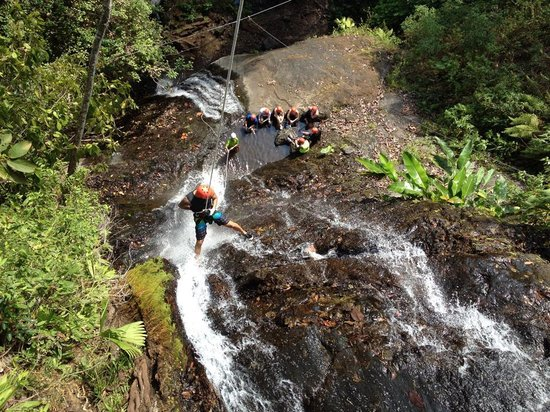 Costa Rica Waterfall Tours : Canyoning