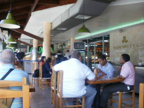 Foto de Hermanos Villar, Santo Domingo: pan villar ...