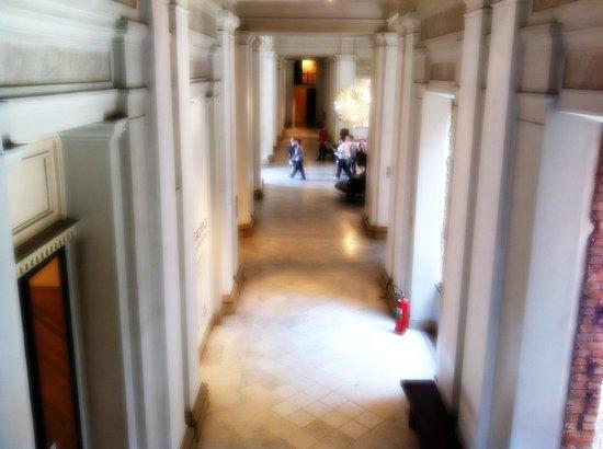 Pinacoteca del Estado: Corredor