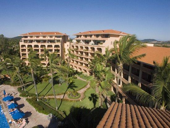 Torres Mazatlan Resort : Resort Buildings
