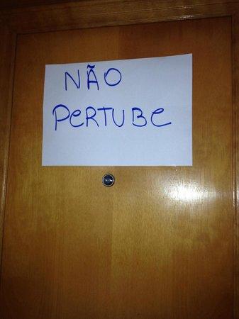 Vila Gale Salvador: Bedroom door arrangements for peace and quietness