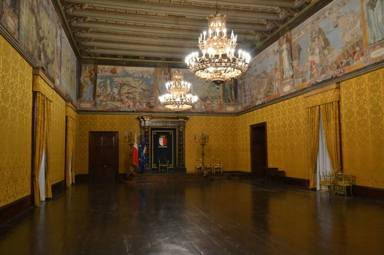Grandmaster's Palace: state room