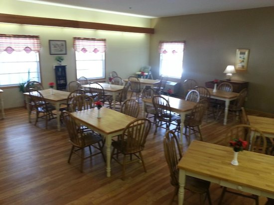 Brook Pointe Inn: Dinning Room