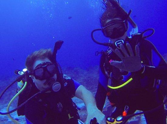 Alex Scuba: Steve and Jen at 72 Feet, Water 82 Degrees