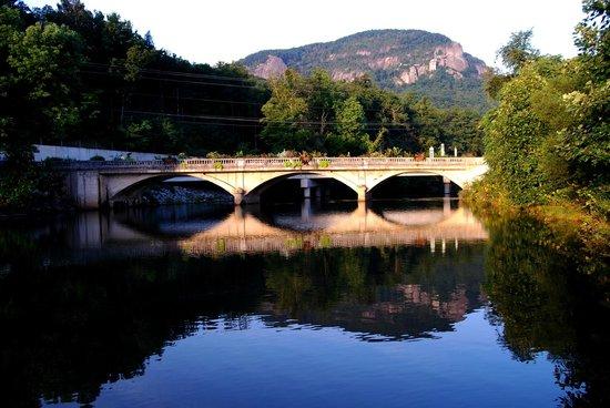 Four Seasons Cottages & Cabins: Lake Lure's Flosering Bridge