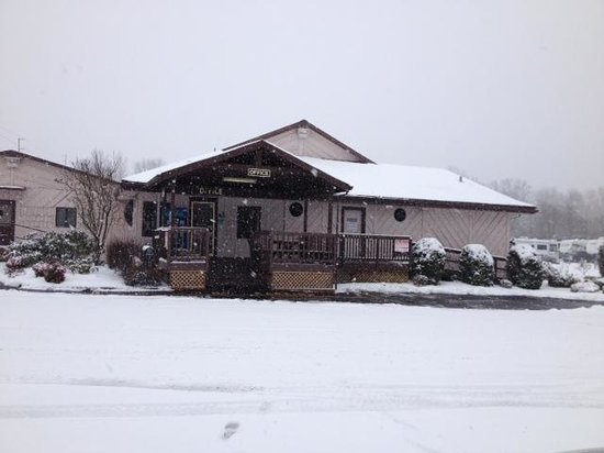 Riverside RV Park: Snow days at the park