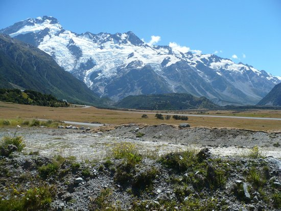 Aoraki Court Aoraki/Mt Cook Village: what a view in front of our room!