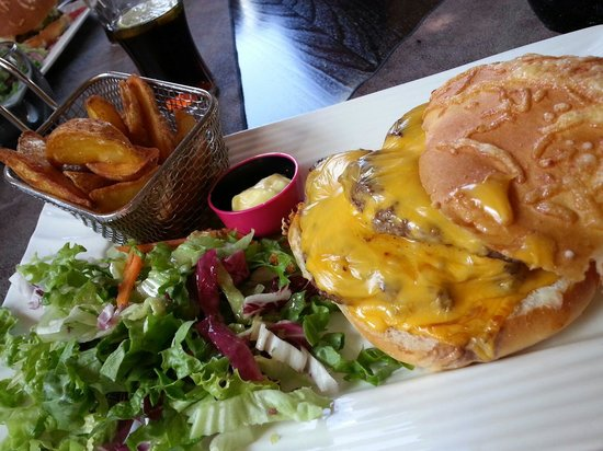 La Diligence : Burger double steack triple fromage
