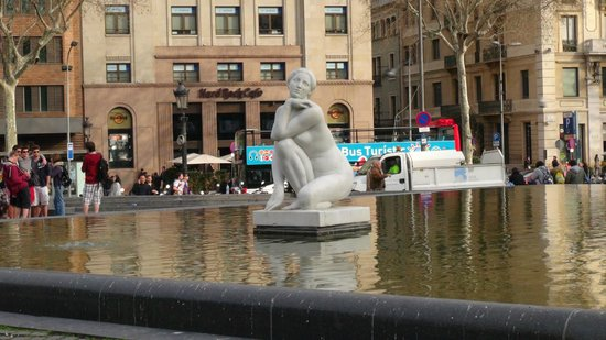 Plaza de Cataluña: Otra fuente