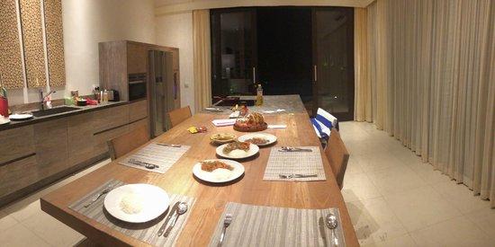 Bali Diamond Villas: Kitchen with room service for dinner