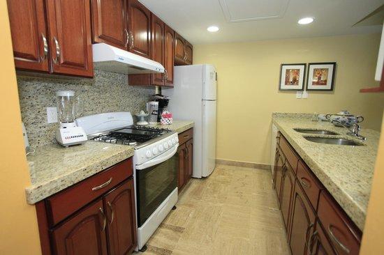 Torres Mazatlan Resort : renovated kitchen