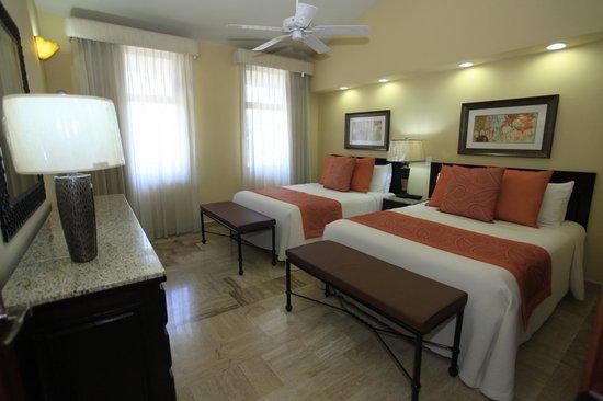 Torres Mazatlan Resort : 2 bedroom family unit