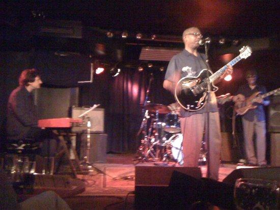 Quasimodo Jazz Club: Funky Soul Kintchen Live