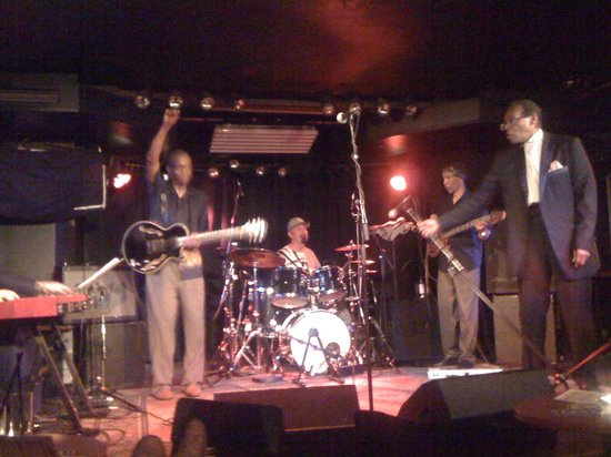 Quasimodo Jazz Club: A moment of Funky Soul Kitchen!