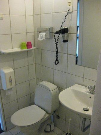 Comwell Holte: Badeværelset.
