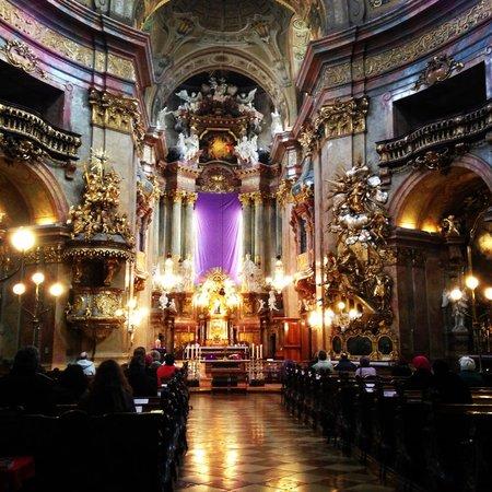 Iglesia de San Pedro (Peterskirche): Atmosphere of Solemn.