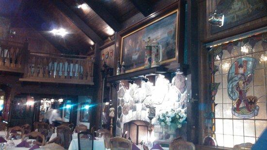 Gasthaus : Fireplace