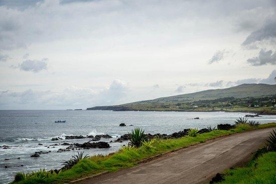 Te'ora: Views include moai statues at Tahai across the bay.