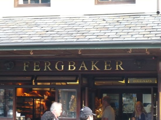 Fergbaker: BEST MEAT PIES EVER!