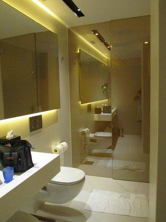 Art'otel Amsterdam : Badezimmer