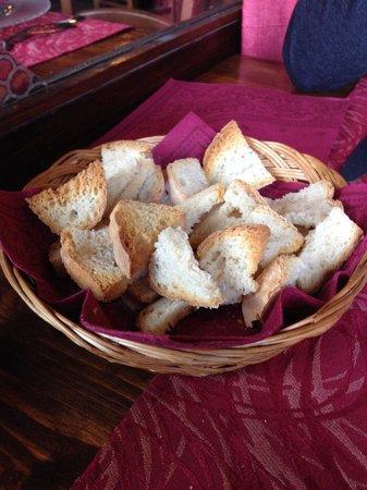 Trattoria del Contadino: Pane per antipasto