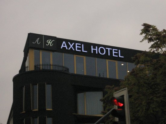 Axel Hotel Berlin: at night