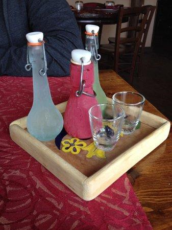 Trattoria del Contadino: Liquori compresi nel coperto