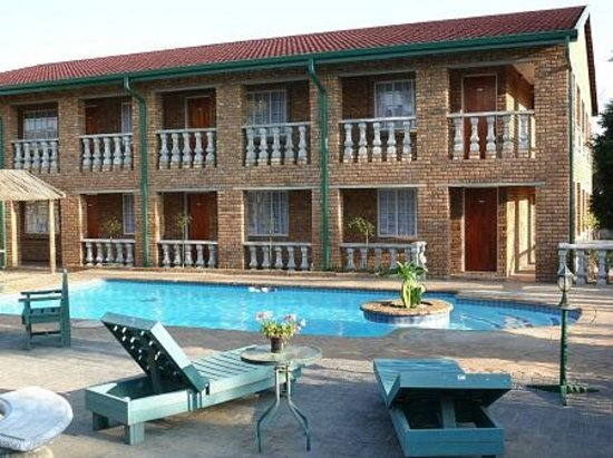 Emerald Guest House : Swimming pool area