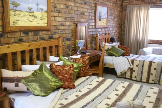 Emerald Guest House: Triple room