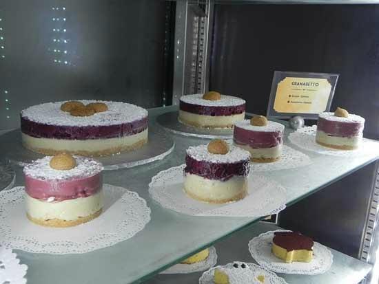 Il Gelato di Carlotta: grammaretto - grapes and amaretto gelato cake (local grapes)