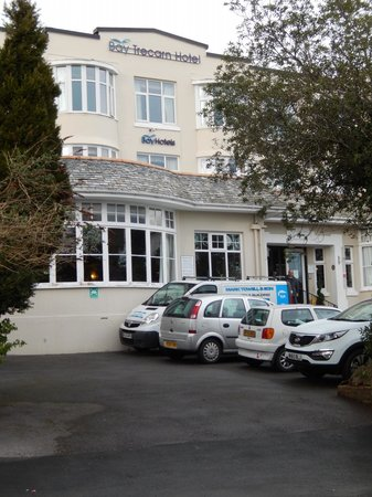 Trecarn Hotel : View from the road of the hotel