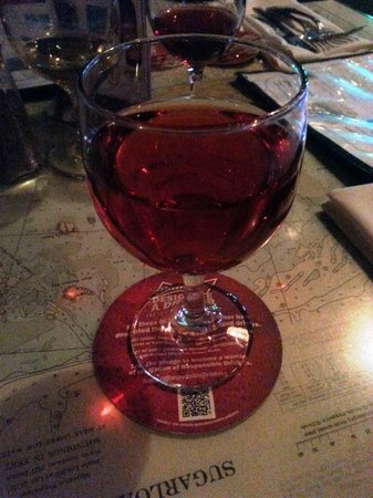 Suicide Bridge Restaurant: Layton's Chance Joes Cool Red (I already drank half the glass!!)