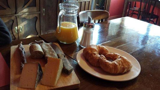 Casa Leonardo: El desayuno /Breakfast...entre otras cosas...