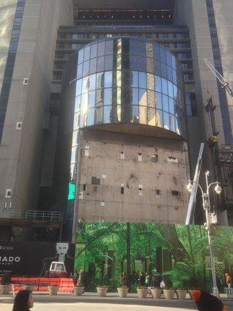 New York Marriott Marquis : C'est sympa cette entrée principale ...