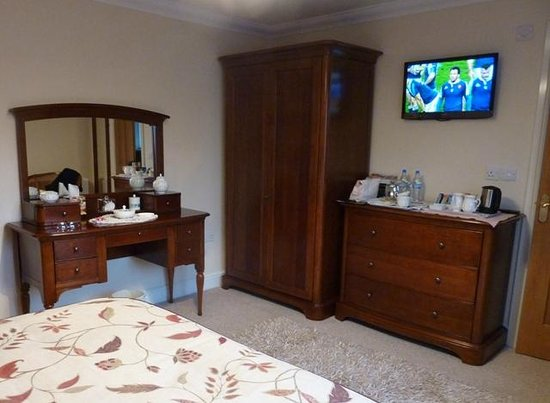 River Garth Guest House: Bedroom - immaculate