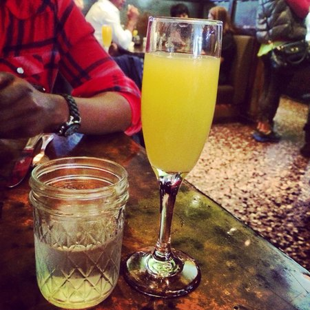 Farmerbrown : Bottomless mimosa.