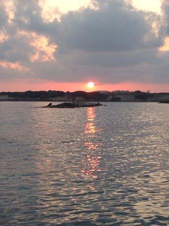 Coral Bay: Zachód słońca.