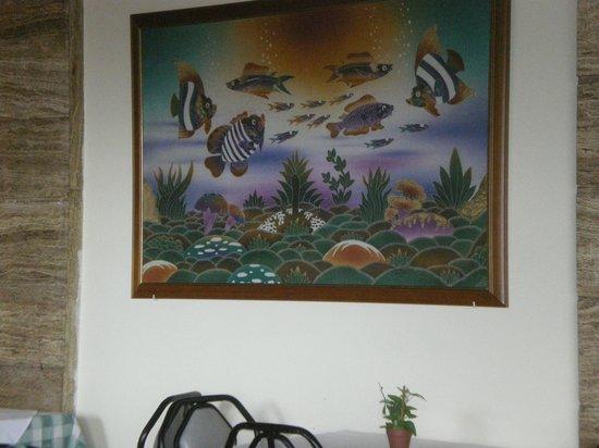 Mirabelle Hotel: breakfast room artwork
