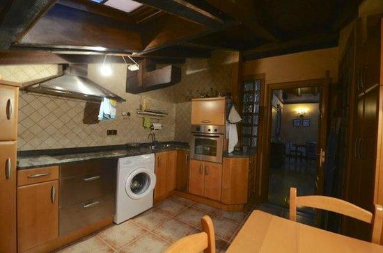 Hotel Rural Bereau - Apartamento 4p (Cocina)