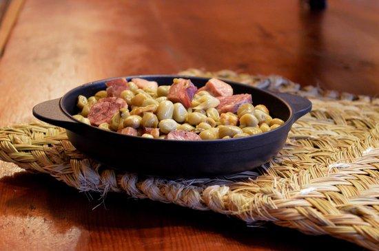 El Tiberi bufet gastronomía tradicional catalana: FAVA A LA CATALANA /HABA A LA CATALANA