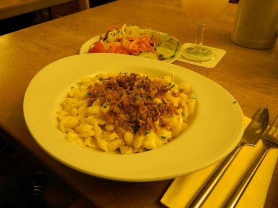 Konig von Flandern : Käsespätzle con cipolla arrostita