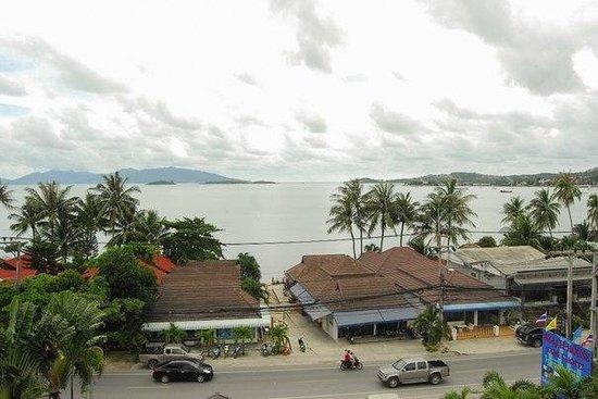 Beach House Samui Hotel: вид с крыши