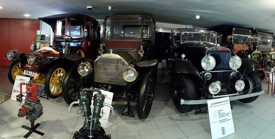 Museu Nacional de l'Automobil: Троица