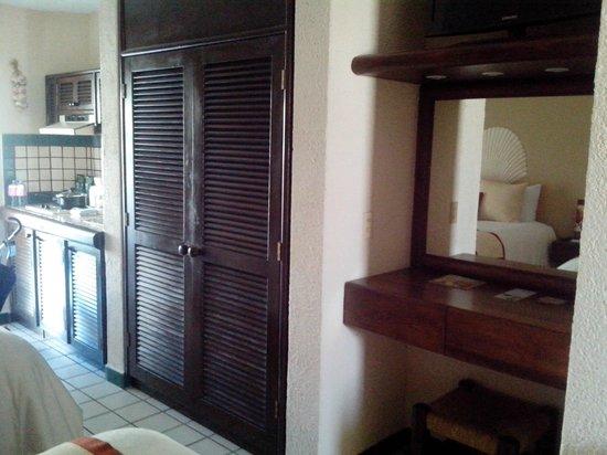 Solmar Resort: Closet y Counter